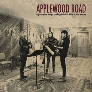 Applewood Road 歌手頭像
