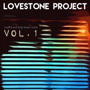 Lovestone Project 歌手頭像