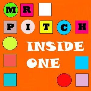 Mr Pitch 歌手頭像
