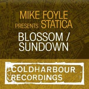 Mike Foyle presents Statica 歌手頭像
