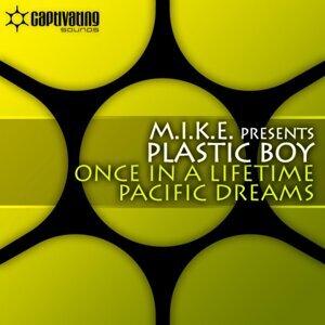 M.I.K.E. presents Plastic Boy 歌手頭像