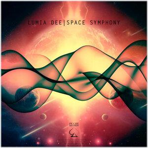 Lumia Dee 歌手頭像