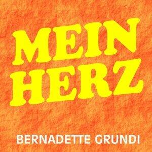 Bernadette Grundi 歌手頭像