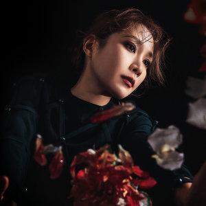 關心妍 (Jade Kwan)