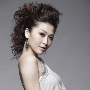 Niki Chow (周麗淇)