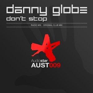 Danny Globe 歌手頭像