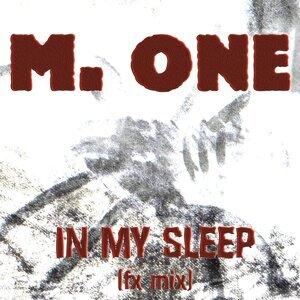 M. One 歌手頭像