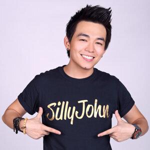Johnson Wee (黃俊源) アーティスト写真