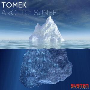Tomek 歌手頭像