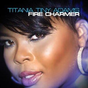 Titania Tiny Adams 歌手頭像