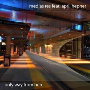 Medias Res feat. April Hepner 歌手頭像