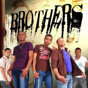 Brothers 歌手頭像