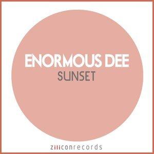 Enormous Dee 歌手頭像