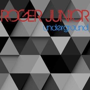 Roger Junior 歌手頭像