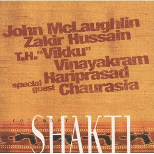 John McLaughlin Vikku Vinayakram Pandit Hariprasad Chaurasia Ustad Zakir Hussain アーティスト写真
