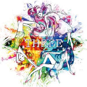 THREE (花守由美里、種田梨沙、佐倉綾音) 歌手頭像