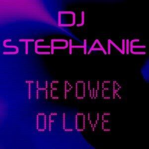 DJ Stephanie 歌手頭像