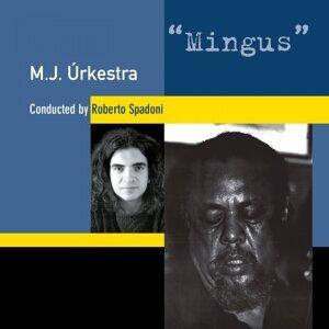 M.j. Urkestra Conducted by Roberto Spadoni 歌手頭像