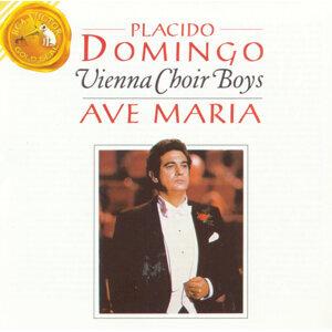 Placido Domingo und die Wiener Sängerknaben