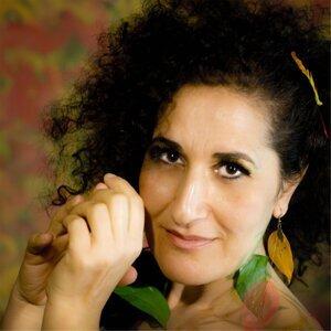 Aida Nadeem 歌手頭像