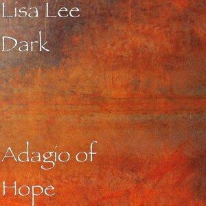 Lisa Lee Dark 歌手頭像