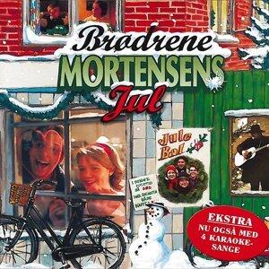 Cast Of 'Brødrene Mortensens Jul'