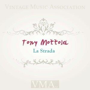 Tony Motola 歌手頭像