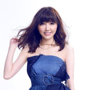 Jinny Ng (吳若希) アーティスト写真