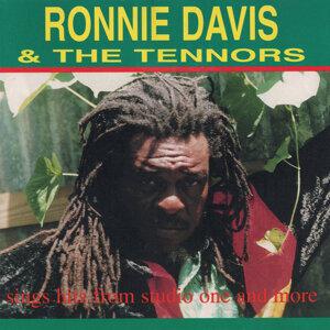 Ronnie Davis, The Tennors 歌手頭像