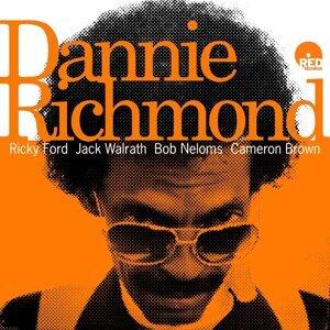 Dannie Richmond, Ricky Ford, Jack Walrath, Bob Neloms, Cameron Brown 歌手頭像