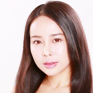 成鎵羽 (Ava Shing) 歌手頭像