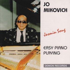 Jo Mikovich 歌手頭像