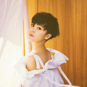 Yisa Yu (郁可唯)