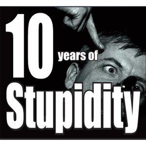 Stupidity 歌手頭像