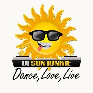 DJ Sun Junkie 歌手頭像