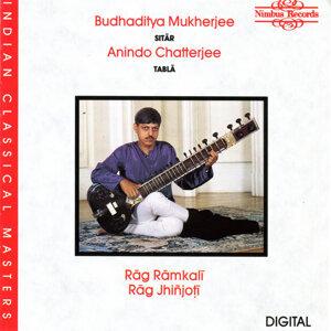 Budhaditya Mukherjee, Anindo Chatterjee, Nandu Kamat 歌手頭像