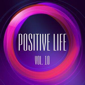 DJ Ne0, DJ Quadradex, Anna Miracles, Dj Trace, Double Energy, Dreaman, Elmir PazyTron, F.R.E.E.Fly, FreeDan, Grimland, HBC, ILYA-sp, Indigo 歌手頭像