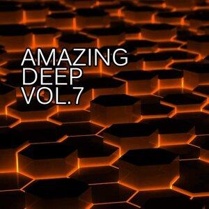 Bob Decyno, Dan Rise, DJ Vantigo, John Bonker, Pasha Line, Radecky, Scarface, Sergey Polonskiy, Valery TreZer 歌手頭像