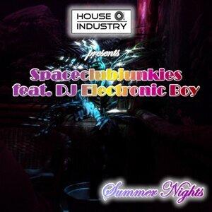Spaceclubjunkies feat. DJ Electronic Boy