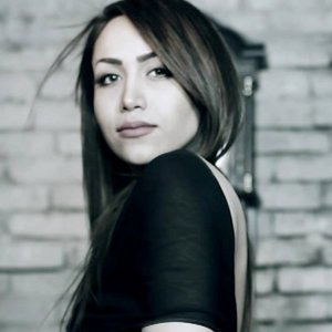 Raha Manesh 歌手頭像