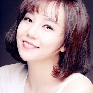甄詠珊 (Carisa Yan) 歌手頭像