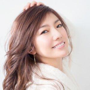 島谷 瞳 (Hitomi Shimatani)