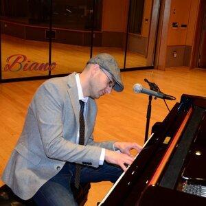 Erik Biano 歌手頭像