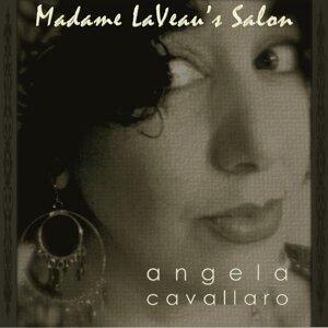 Angela Cavallaro 歌手頭像