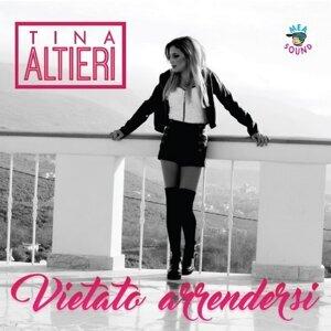 Tina Altieri 歌手頭像