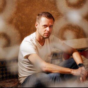 Armin van Buuren (阿曼凡布倫)