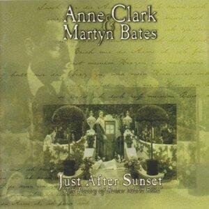 Anne Clark, Martyn Bates 歌手頭像