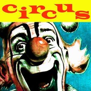 Funny Circus Band 歌手頭像