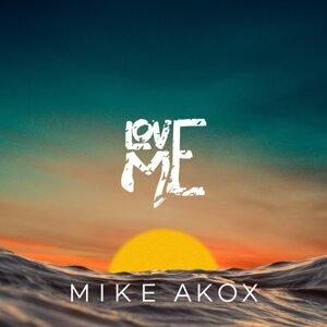 Mike Akox