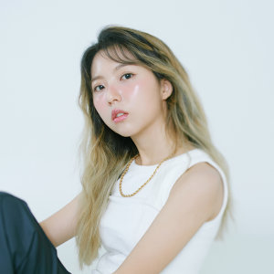 Stella Jang (스텔라장) Artist photo